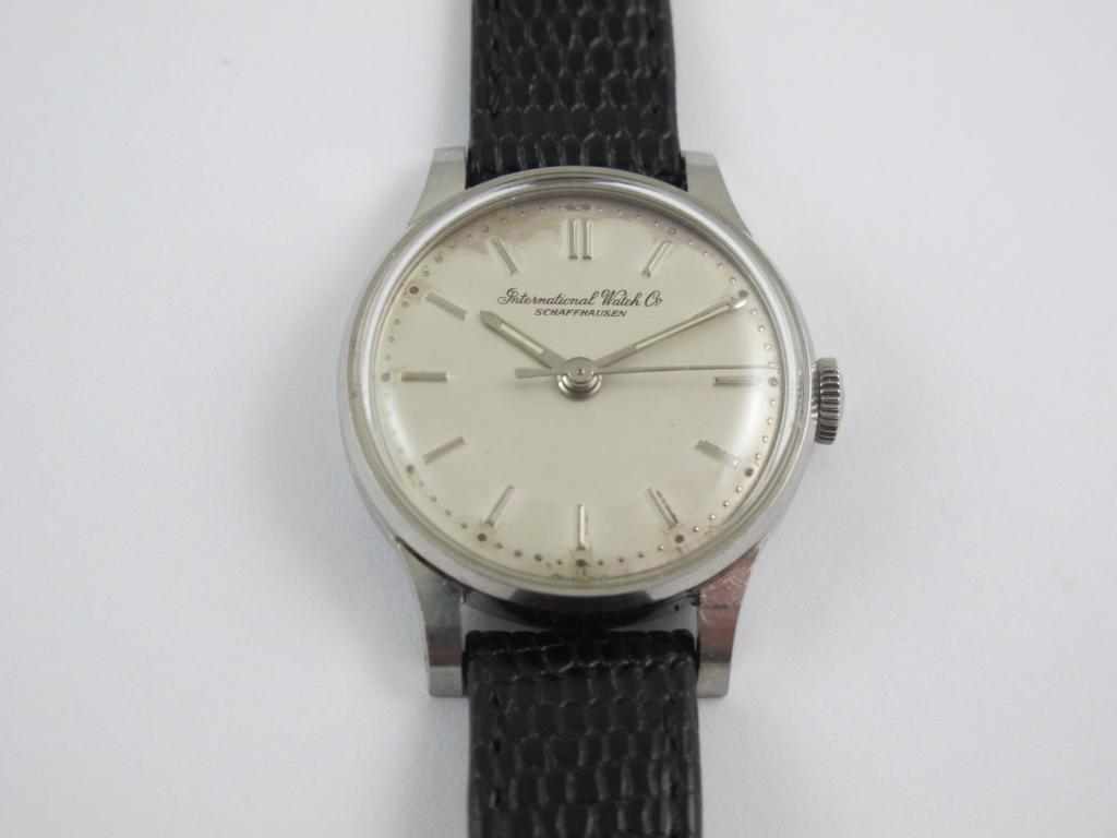 ee40aa165 Dámské náramkové hodinky IWC SCHAFFHAUSEN č.str. 1733388 - Antik ...