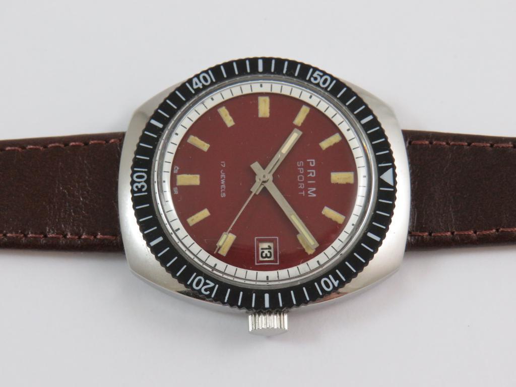 0605f074de5 Náramkové ocelové hodinky PRIM 2 s červeným ciferníkem - Antik ...